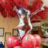 Композиция из шаров Леди Баг с одним фонтаном в горошек