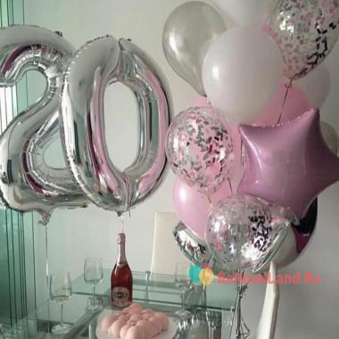 Композиция из шаров с гелием на День Рождения с цифрами серебряно-розовая