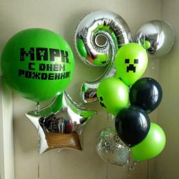 Композиция из гелевых шаров Майнкрафт с большим шаром, сферой и звездой на девять лет
