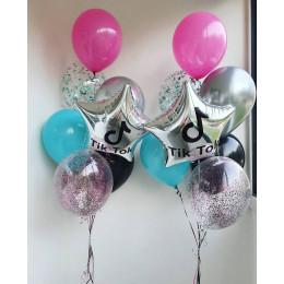 Композиция из воздушных шариков со звездами ТикТок