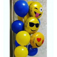 Фонтан из воздушных шаров синих и желтых со смайлами