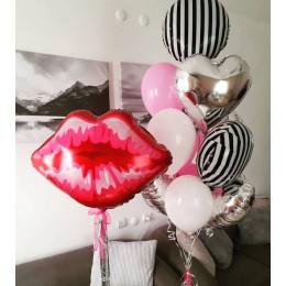 Композиция из гелиевых шариков Губы с букетом с сердцами