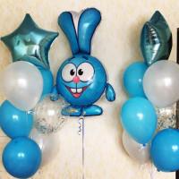Композиция из шаров Крош со звездами и шарами с конфетти