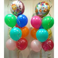 Композиция из шариков Три кота с разноцветными шарами