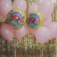 Композиция из воздушных шаров Принцесса Розочка Тролли из двух фонтанов