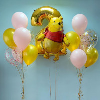 Композиция из шаров с медвежонком Винни с цифрой на День Рождения