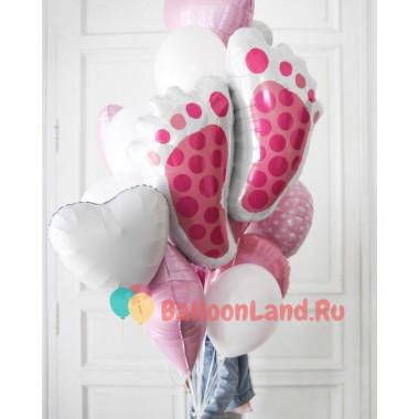 Букет из шариков с гелием на выписку девочки из роддома с пяточками
