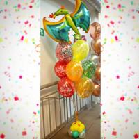 Фонтан из гелиевых шариков яркий на День Рождения с Драконом