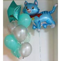 Композиция из гелевых шариков с котенком и звездой