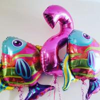 Набор гелиевых шариков с двумя тропическими рыбками и цифрой