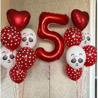 Композиция из шариков с гелием в красных тонах с цифрой и пандами