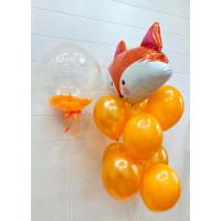 Композиция из шаров в оранжевых тонах с Лисичкой и шаром с перьями