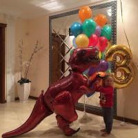 Композиция из шариков с Динозавром, цифрой и фонтаном