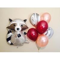 Композиция из шариков с гелием с фигурой Енота