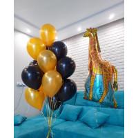 Композиция из шаров с гелием с жирафом в оранжево-черных тонах