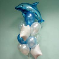 Букет воздушных шаров с Дельфином в бело-голубых тонах