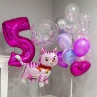 Композиция из шаров для девочки с Кошечкой и цифрой