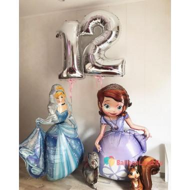 Композиция из воздушных шаров с Золушкой и Принцессой Софией с цифрами