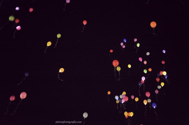 Шарики со светодиодами в небо