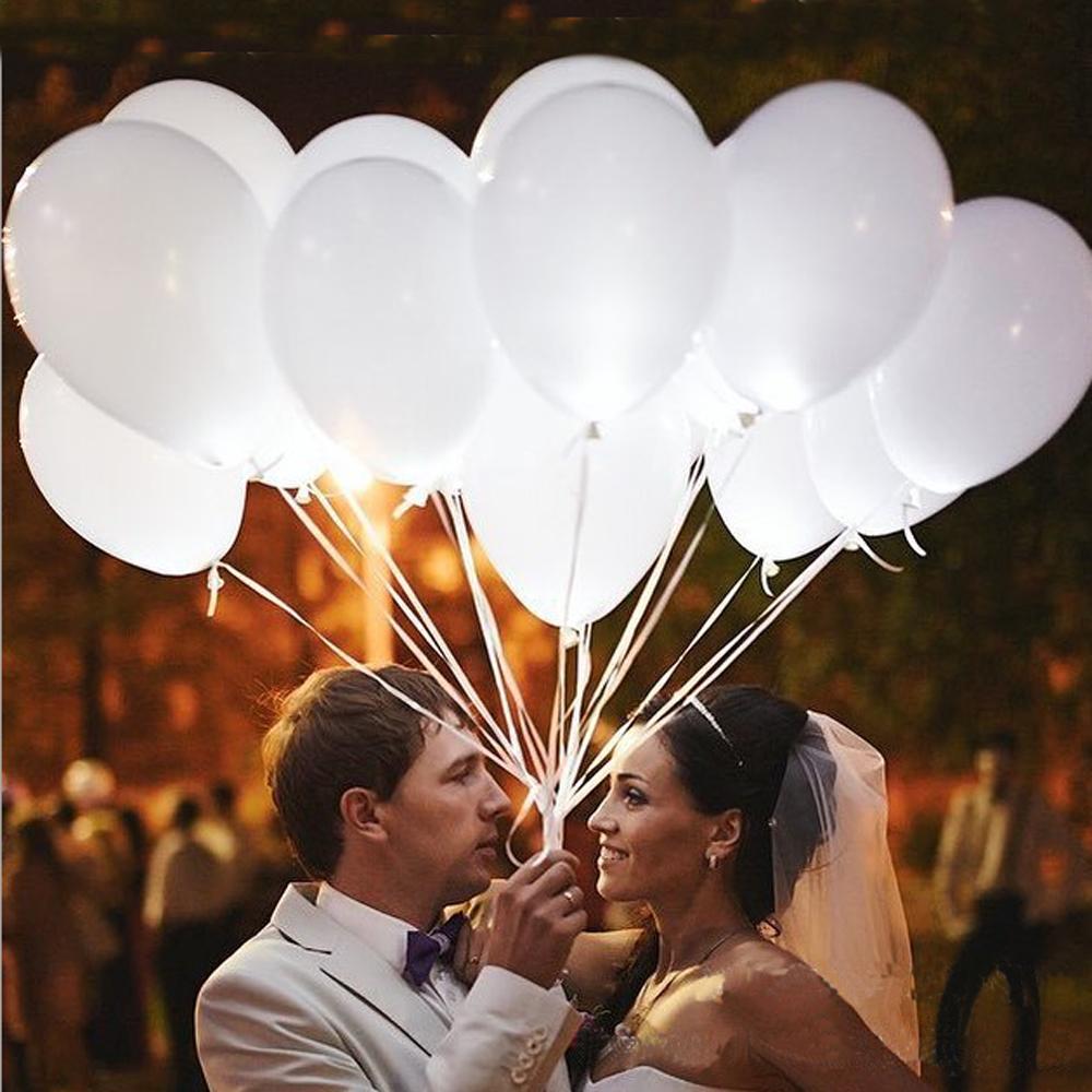 Невеста со светодиодными шарами